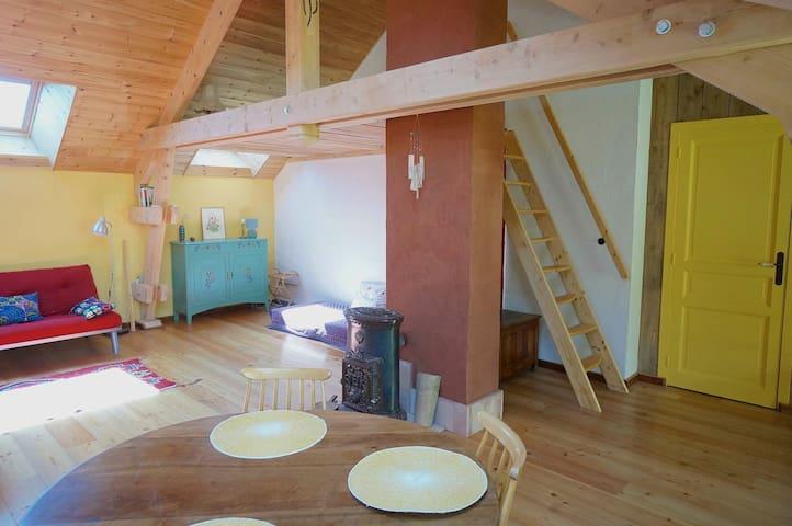 Grand studio écologique au pied Céüse - Sigoyer - Apartamento