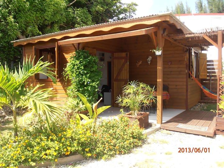 Bungalow créole Casa Cojo proche plage Sainte Anne