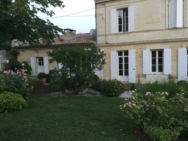 Superbe maison girondine proche bordeaux