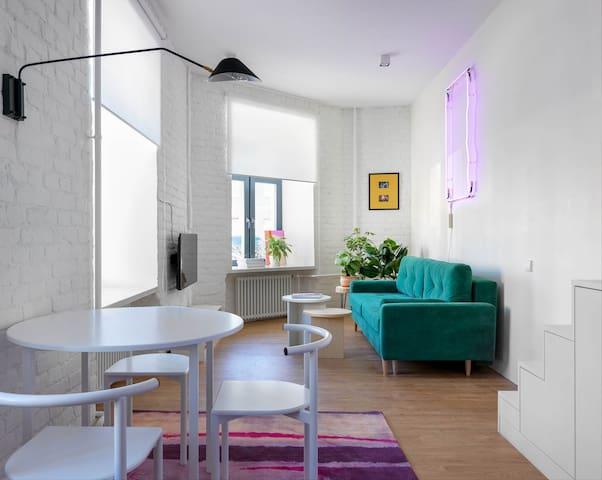 Luxury «LOFT» Apartment Next to Hermitage View
