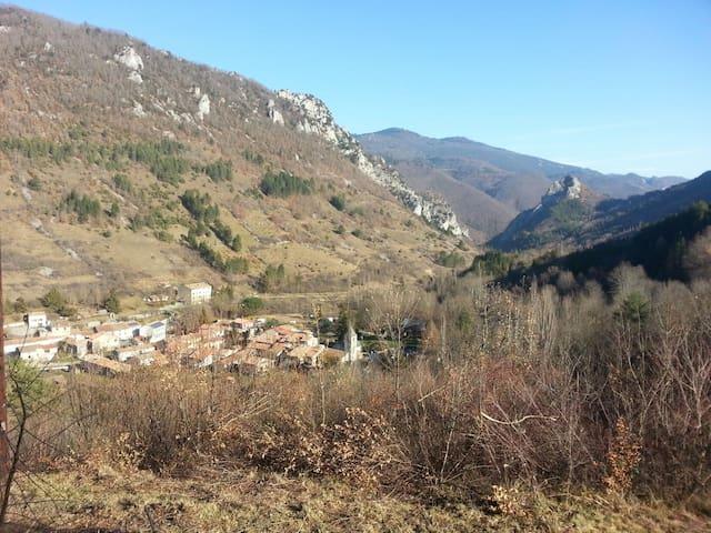 Maison de village en pays Cathare - Joucou - Casa