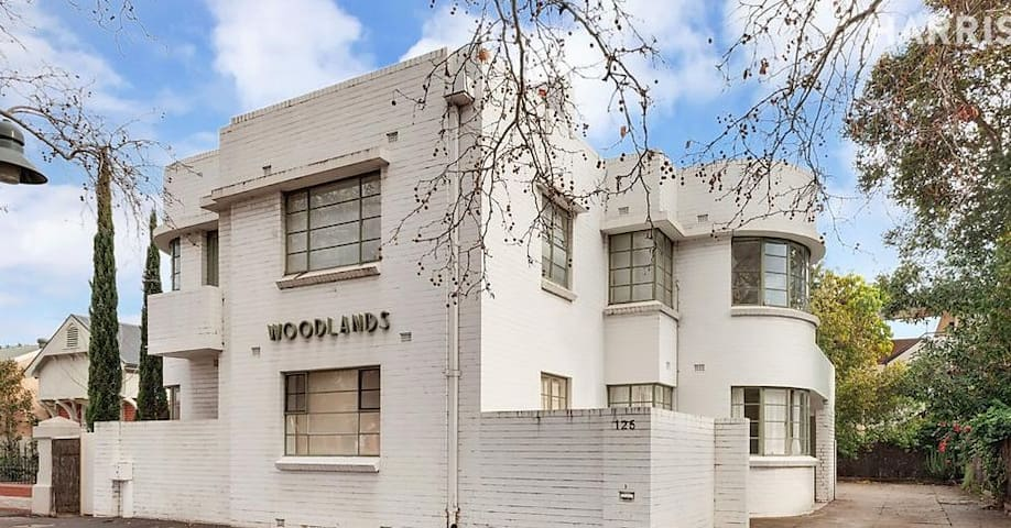 Art deco classic - walk to oval, convention centre - North Adelaide - Apartamento