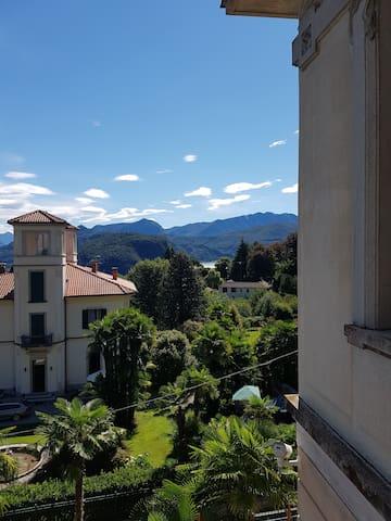 Villa Floreal - Studio Gourmet: Aussicht vom Balkon Richtung Luganersee