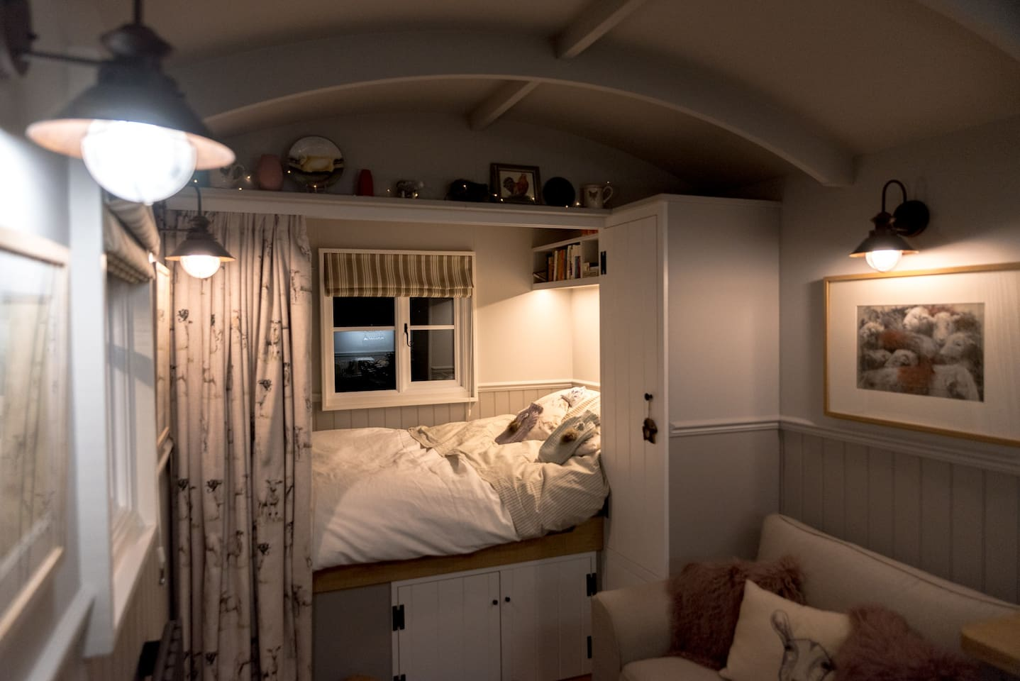 The snug and cosy bed chamber