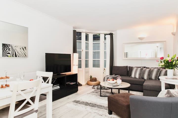 NEW! LUX! 4BEDS/3BEDR!! COVENT GARDEN! 3 min tube