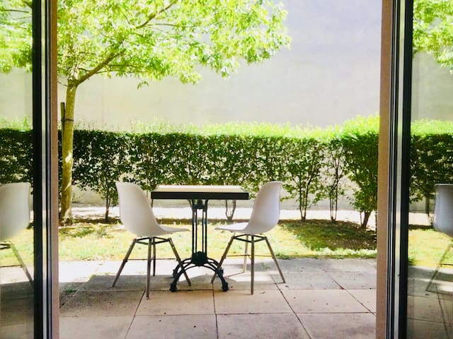 Cozy T2 rez-de-jardin