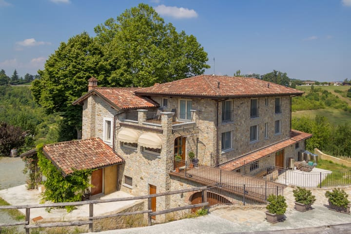 Agriturismo Wine&Relax - Camera Tripla - Acqui Terme - Bed & Breakfast