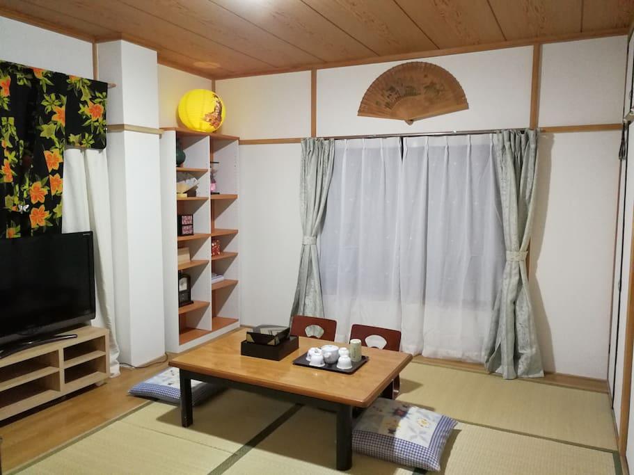 203大榻榻米客厅兼卧室