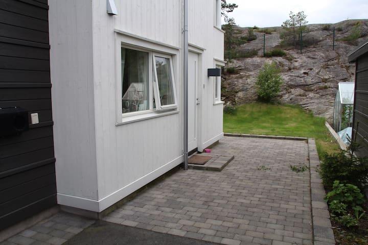Koselig feriebolig til ukesleie - Kristiansand - Flat
