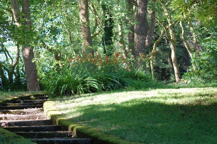 Chambre à Chevreuse au jardin du Château