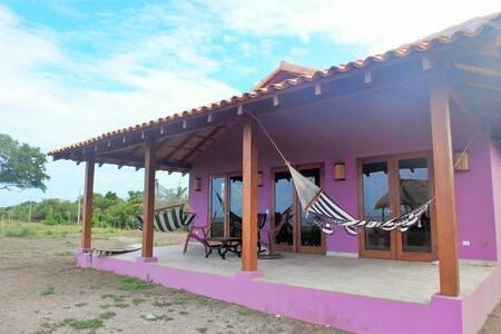 Playa Tesoro Casa Purpura