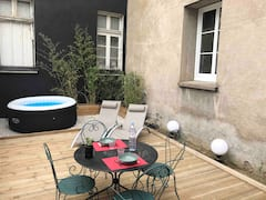 Repos+Angevin%3A+Hyper-Centre%2C+jacuzzi%2C+BBQ%2Cparking