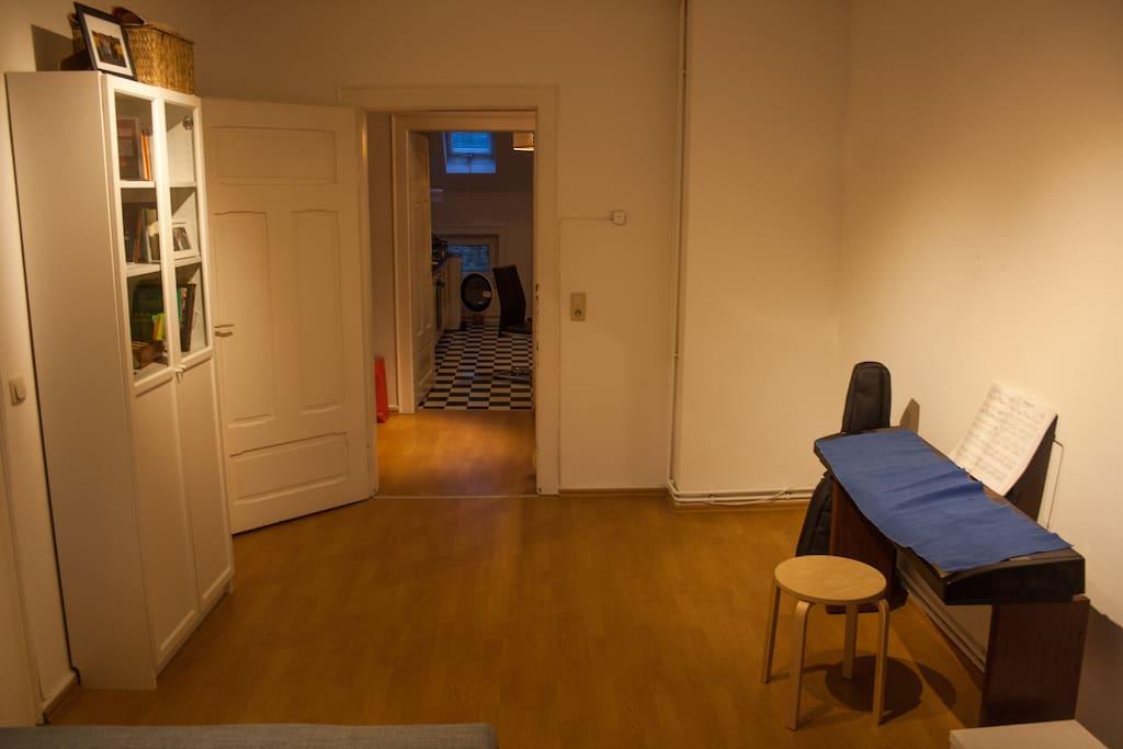 eigenes g stezimmer direkt in der innenstadt wohnungen. Black Bedroom Furniture Sets. Home Design Ideas
