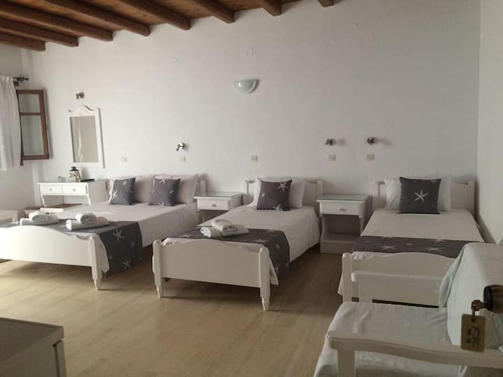 Fisilanis beachfront Hotel 4bed rooms