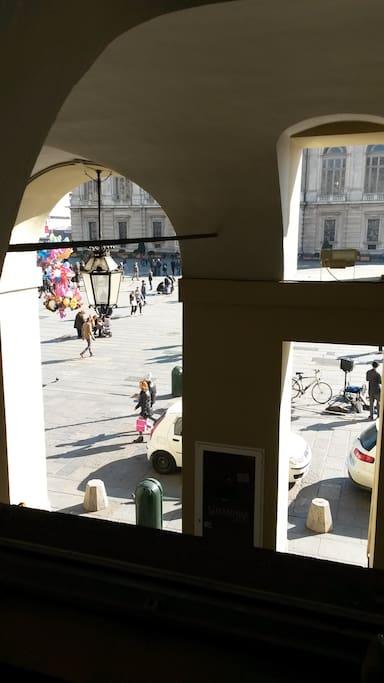 Piazza Castello dalle finestre del soggiorno