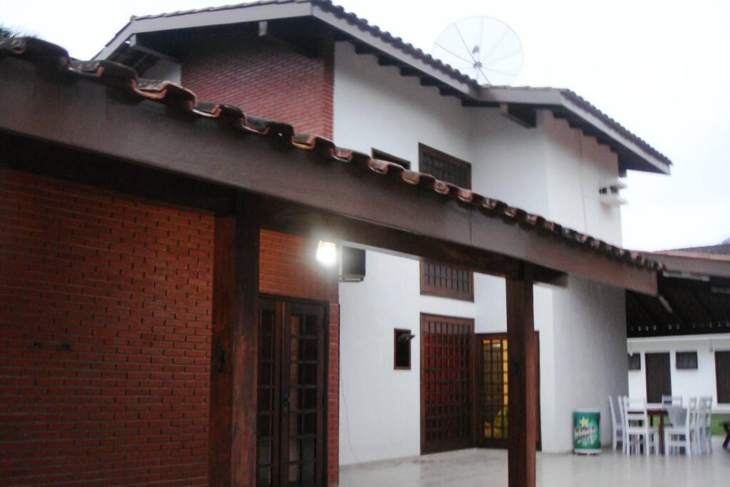 lateral da casa