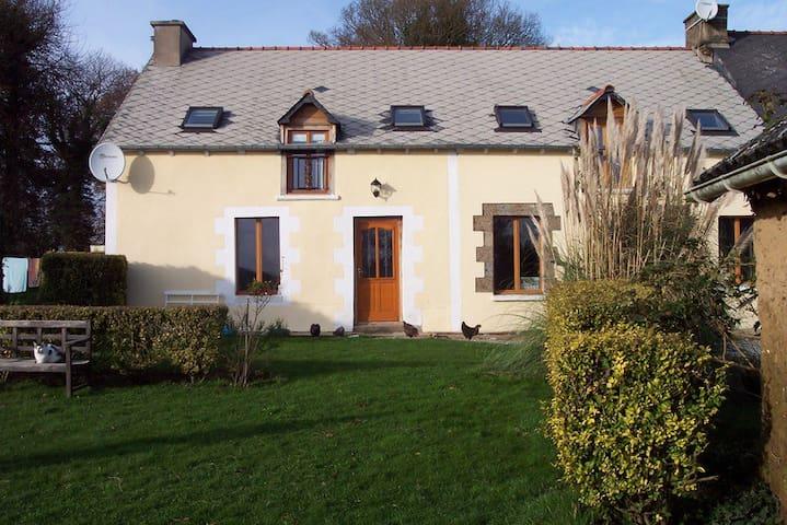 Spacious Breton Longere - Plumieux - House