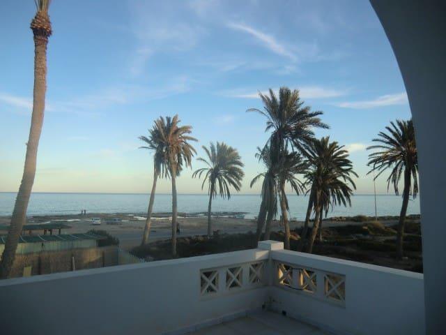 1er ét,face à la mer, plein soleil - Zarzis - Pis