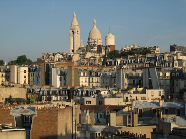 Montmartre - Vue sur le Sacré Coeur