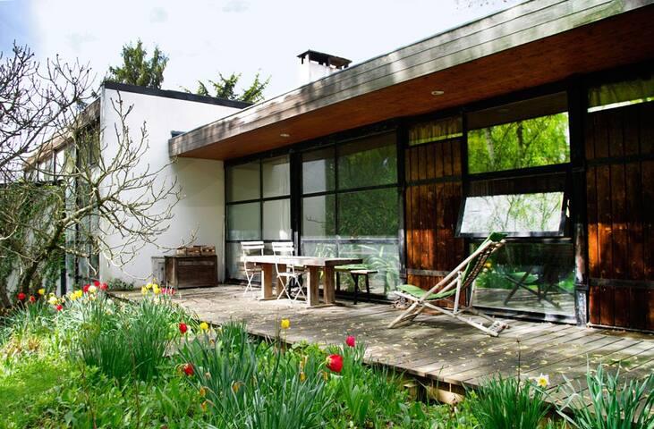 Maison d'architecte, atypique - Janvry - Casa
