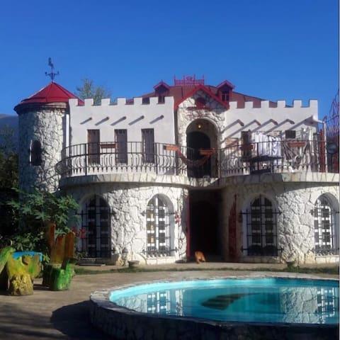 Вилла Замок Хаита под ключь.Эксклюзивный эко отдых