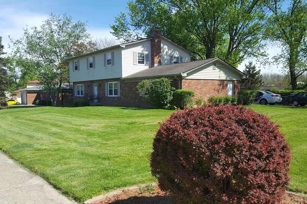 Qeen bed 2 private toom houses for rent in indianapolis indiana united states for 3 bedroom houses for rent in indianapolis indiana