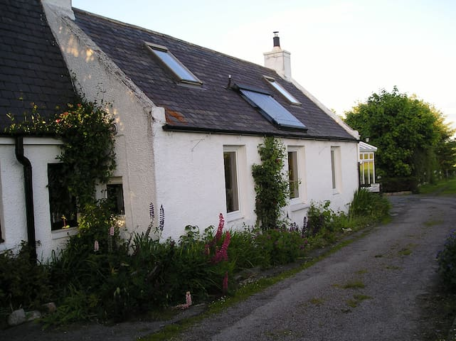 Croft house traditional cottage - Fisherford