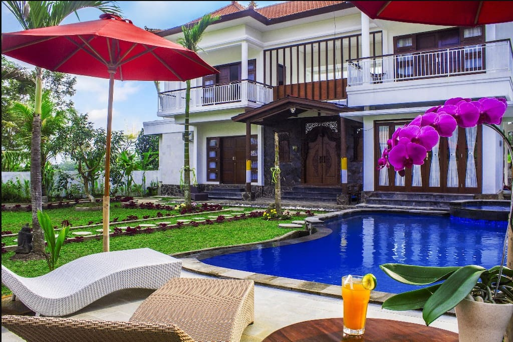 Pool and House View, enjoy fresh cold juice relax & feel the atmosphere of Shanti Padma