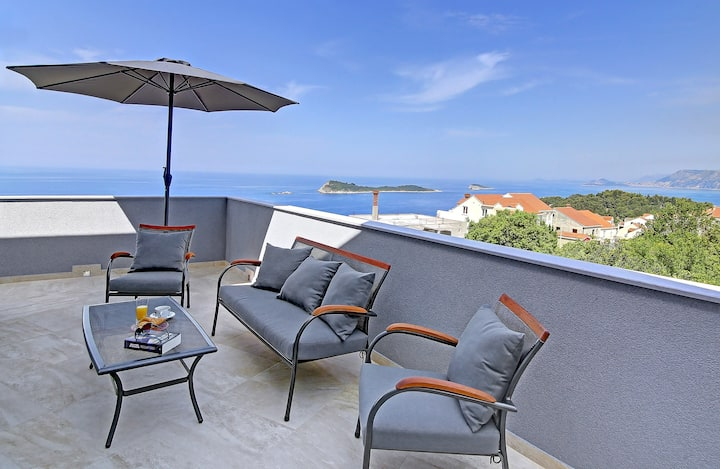 Villa Sandra, luxury penthouse apartment