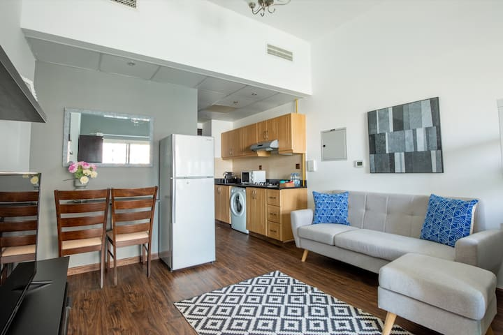 Chic & Timeless Studio Apartment in The Heart of Sports City