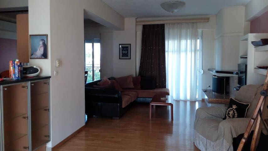 Cosy apartment few steps away from Volos center - Volos - Huoneisto