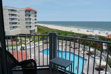 Ocean Front Beauty on North Topsail Island! - North Topsail Beach - (ไม่ทราบ)