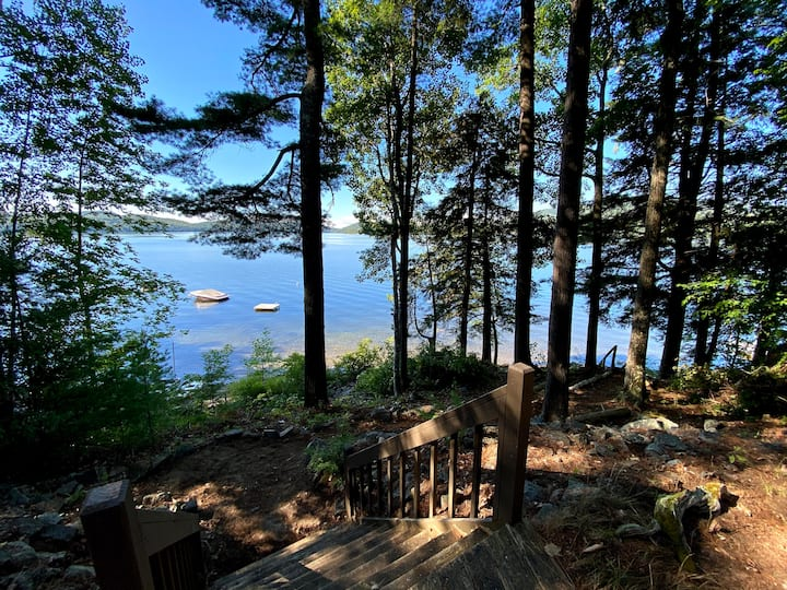 Lakefront Log Cabin with Mountain and Water Views