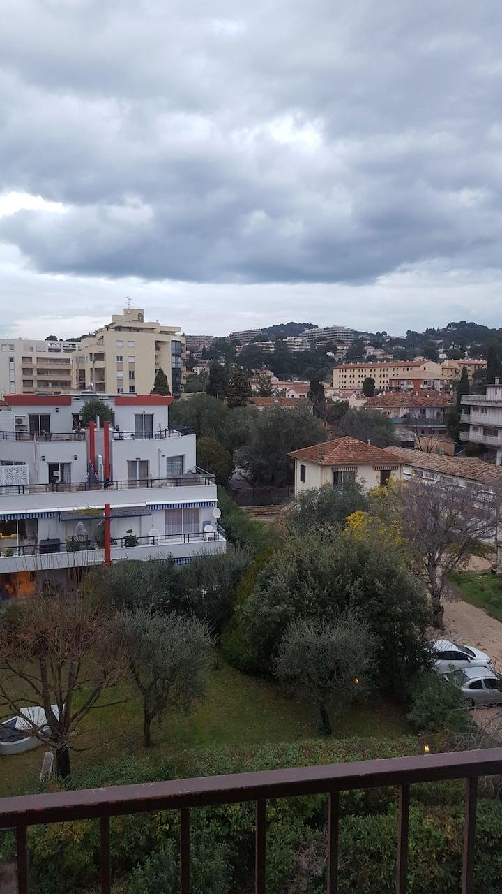 Loue studio 19m2 plus balcon
