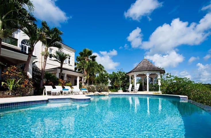 A Stunning Colonial-Style Caribbean Villa - Mullins - Hus