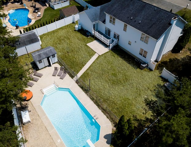 Spacious home with in ground pool great 4 families