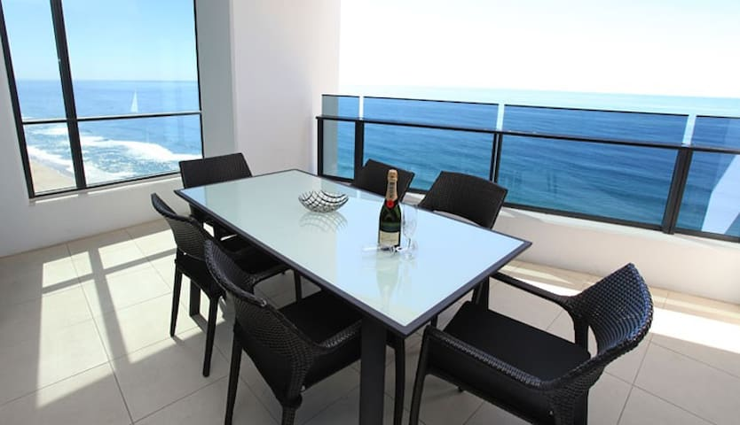 Absolute Ocean Views! 3BR Luxury Apartment at Soul - Surfers Paradise - Apartment