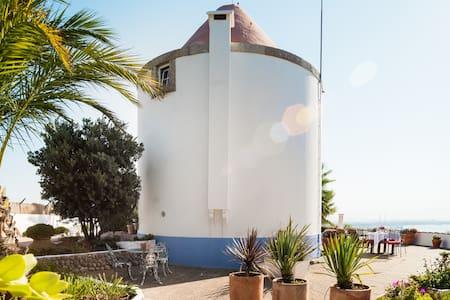 Faça uma escapadela romântica num moinho de charme na Arrábida