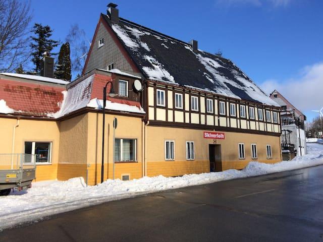 Ferienhaus Kaufmanns Cafe - Oberwiesenthal - Byt se službami (podobně jako v hotelu)