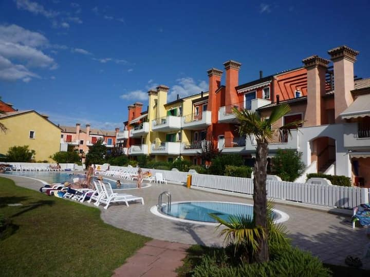 Apartment for 4 persons with pool R46755