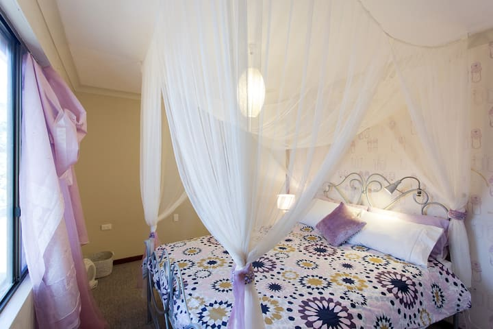 east Fremantle  2 room self contained grannyflat. - Bicton