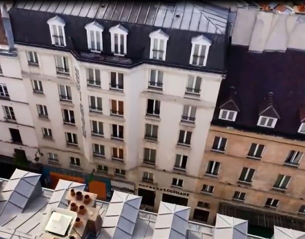 Single Hotel room heart of Saint Germain des Prés