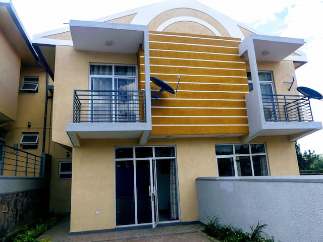 Peaceful and Bright Townhouse in Nyarutarama