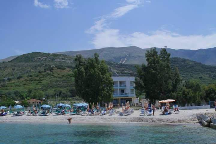 Eriksen House 10m from Beach beach - Vlorë - Appartement