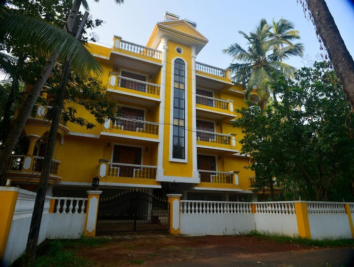 AC Serviced Apartment 950 meters from The Beach 4