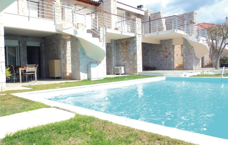 Holiday apartment with 2 bedrooms on 100 m² in Vivari