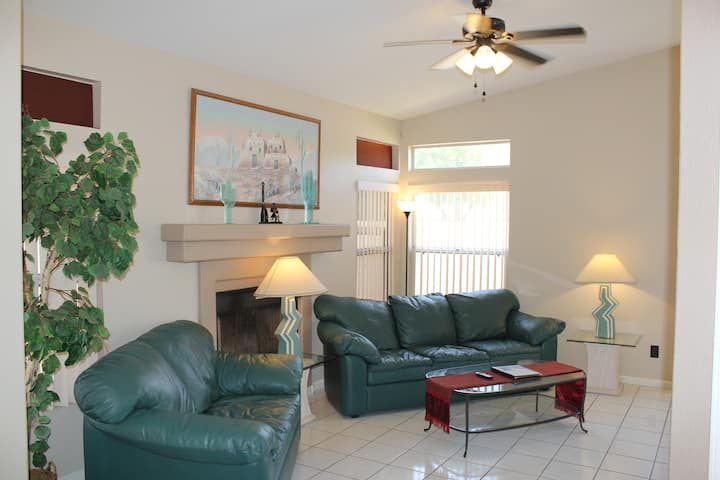Resort Living at Home in Val Vista Lakes
