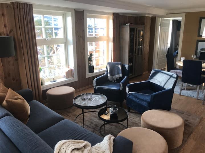 Lys, moderne leilighet på Dr. Holms hotell
