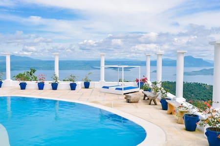 Experience Santorini in Tagaytay - Tagaytay - Villa