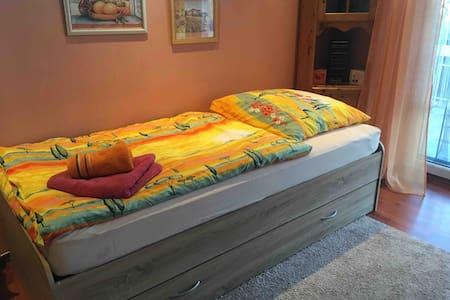 Cozy guest room in Oranienburg, near Berlin